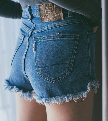 Something×Juemi DENIM SHORTS (LIGHT BLUE)